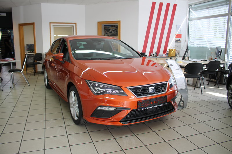 Leon FR 2.0 TSI / 7-Gang-DSG / LED / Virtual Cockpit / Sport Line Styling Paket