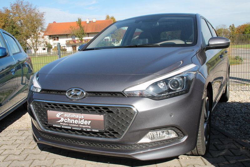 i20 1,1 CRDi M/T Style/Panoramadach/SHZ/PDC/AHK