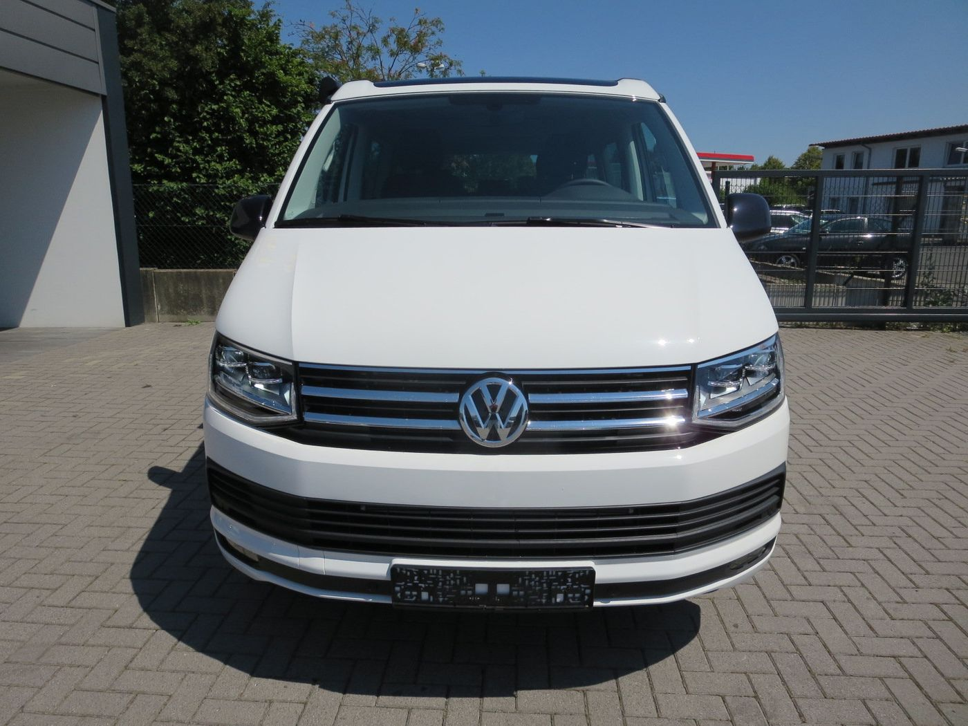vw t6 california beach tdi dsg edition neuwagen kombi. Black Bedroom Furniture Sets. Home Design Ideas