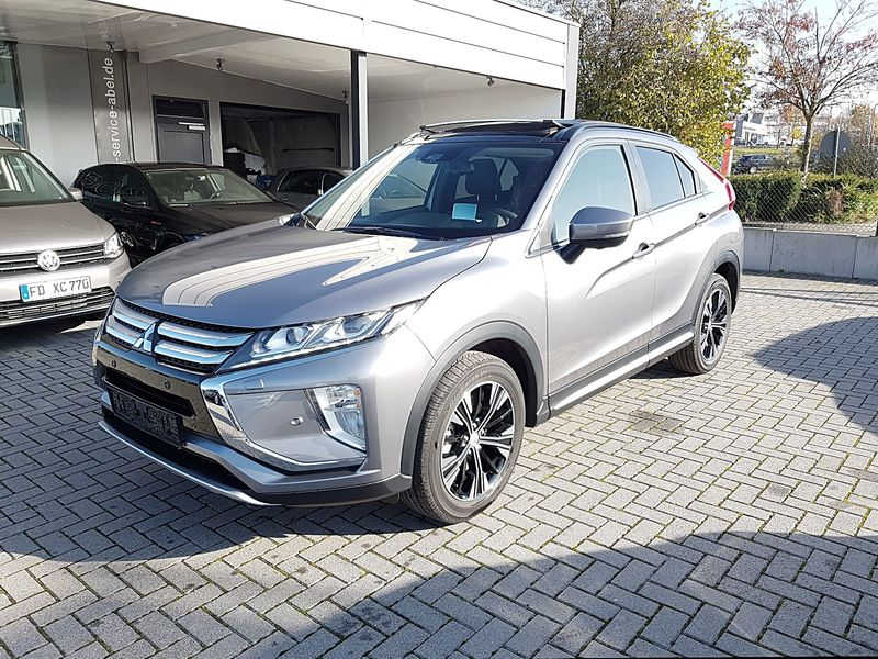 ECLIPSE CROSS 1.5T INSTYLE TOP LED|PANOD|5JGarantie