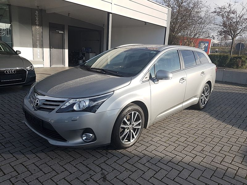 AVENSIS 2.2D EDITION BUSINESS LED|DAB|NAVI|1HAND