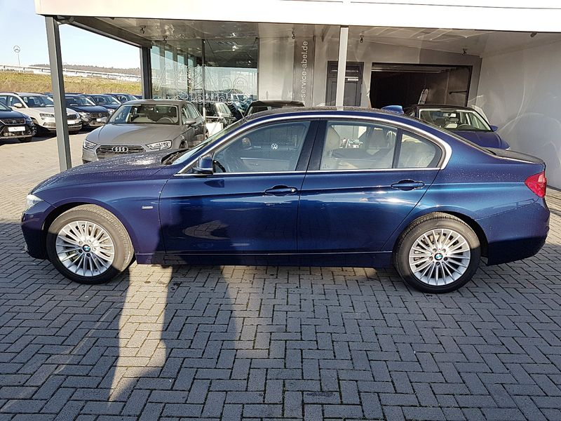 320d xDrive Steptronic LUXURY LINE ASSIST BUSINESS NP61TE