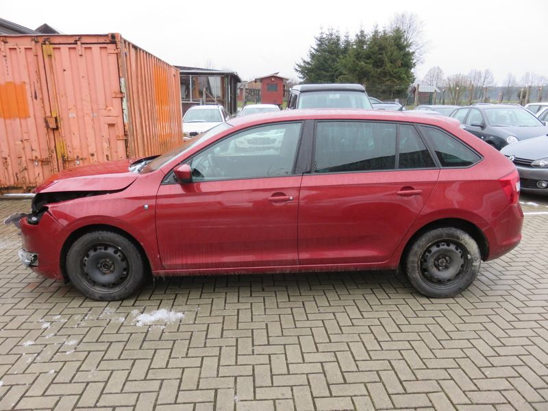 RAPID SPACEBACK 1.6TDI AMBITION PLUS