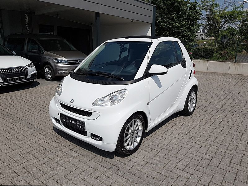 fortwo cabrio Micro Hybrid Drive SOUND|LED|MEDIA|ASSIST