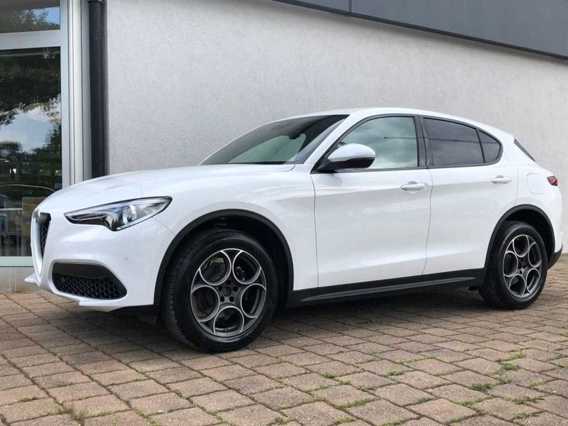 Stelvio 2.0 Turbo 16V AT8-Q4 Super