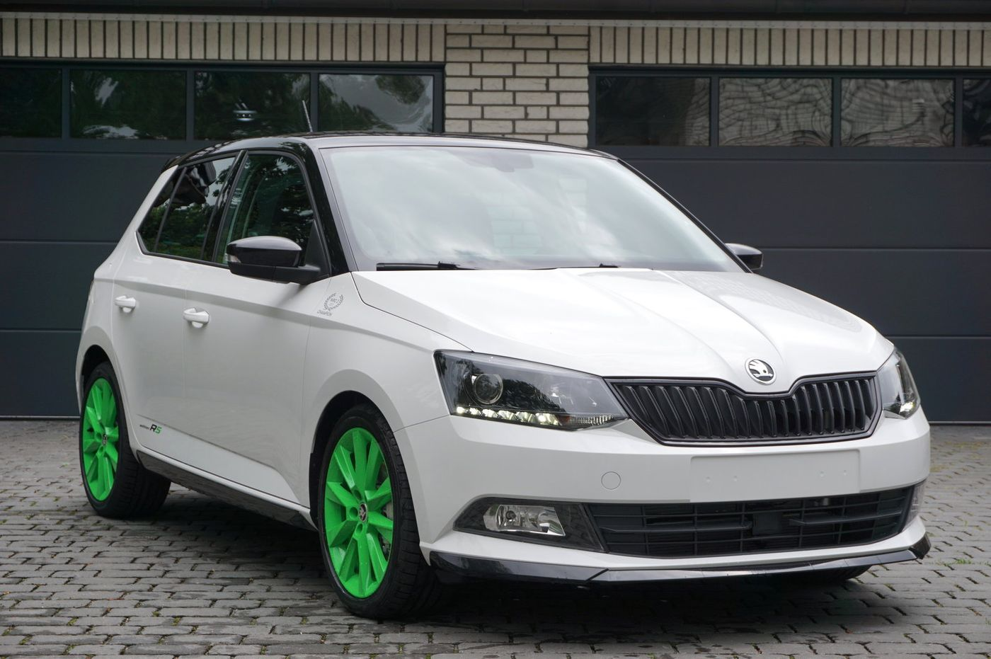 skoda fabia 1 4 tsi dsg r5 edition navi tageszulassung. Black Bedroom Furniture Sets. Home Design Ideas