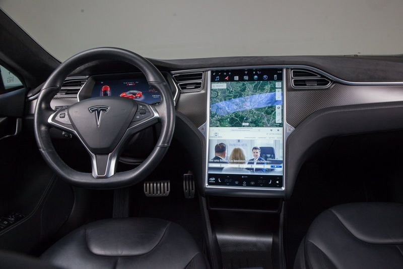 Model S P85D Autopilot Supercharger frei