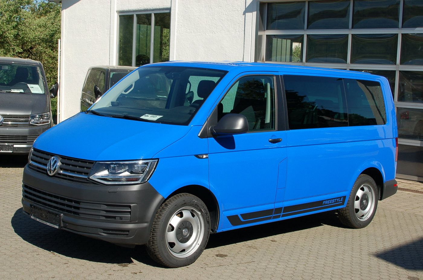 vw t6 multivan dsg freestyle led navi gebrauchtwagen bus 000060. Black Bedroom Furniture Sets. Home Design Ideas