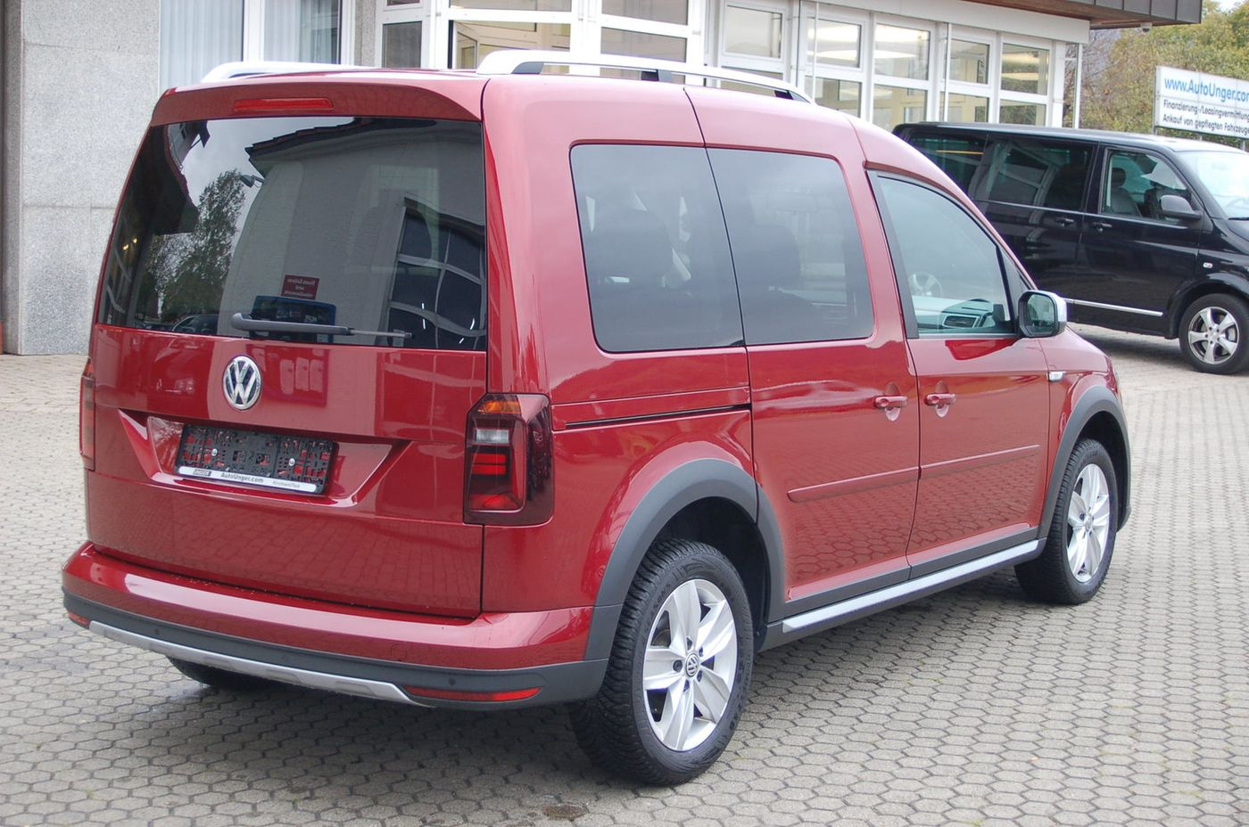 vw caddy alltrack navi pdc shz gebrauchtwagen kombi. Black Bedroom Furniture Sets. Home Design Ideas