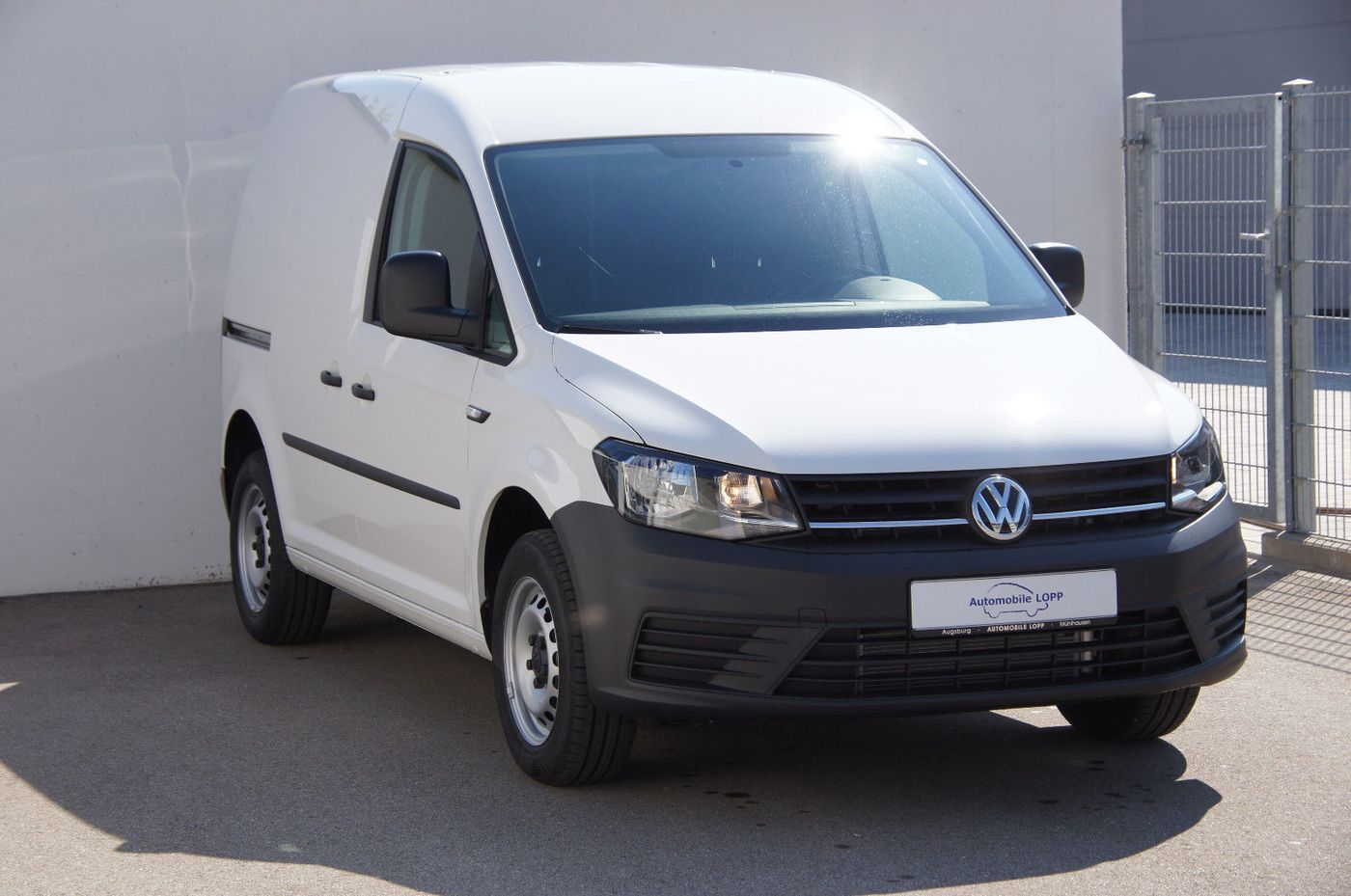 vw caddy 2 0 tdi kasten klima tageszulassung bus. Black Bedroom Furniture Sets. Home Design Ideas