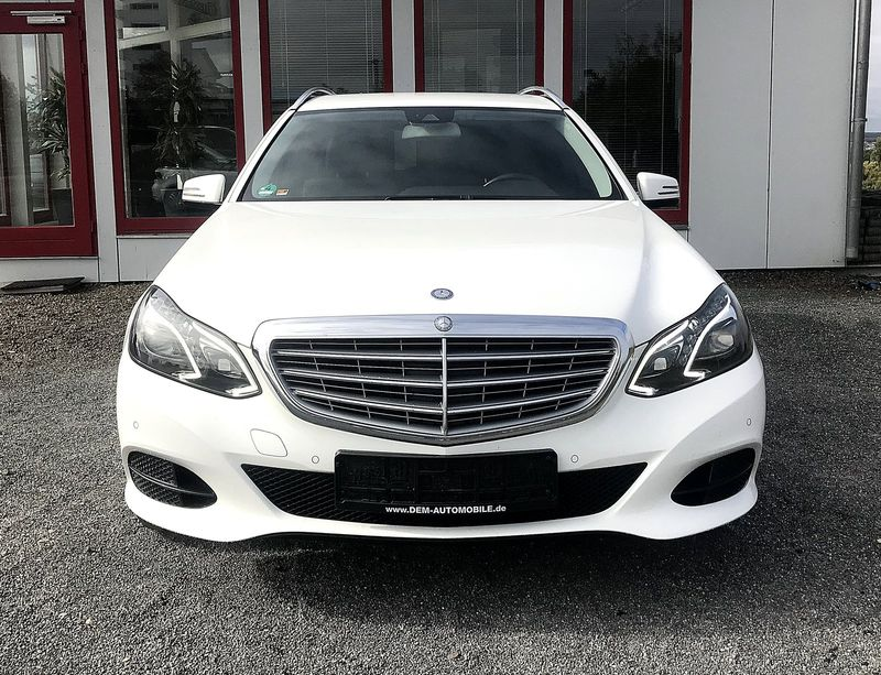 E 200 T-Modell CDI BlueEfficiency *AHK*NAVI*XENON*