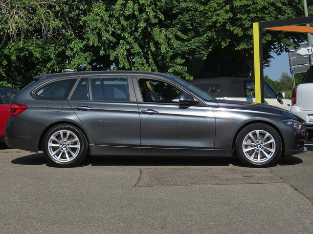 335d xDrive Touring Advantage LED NAVI PDC HiFi