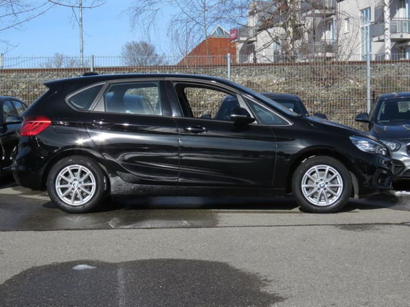 218d xDrive Active Tourer Autom. Advantage Navi LED